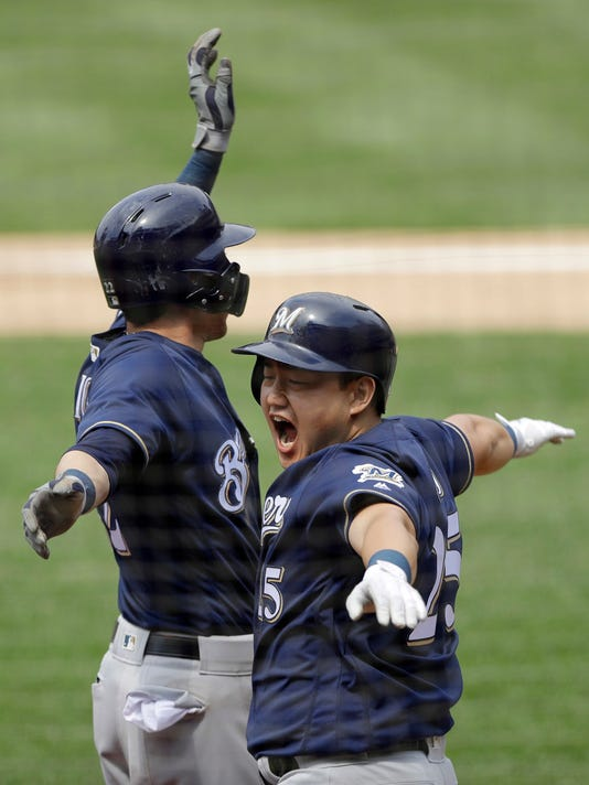 Brewers_Phillies_Baseball_90119.jpg