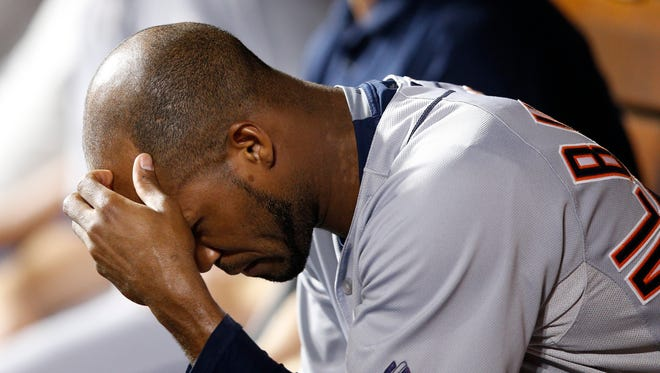 Tigers pitcher Al Alburquerque reacts after giving up three runs during the 10-run sixth inning of the Tigers' 12-5 loss Monday in Cincinnati.