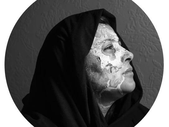 """Sandra Ventura-Benitez, """"Bajo la Misma,"""" photograph."""