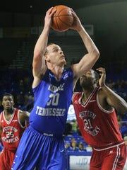 MTSU's Reggie Upshaw Jr. (30) led the team in rebounding