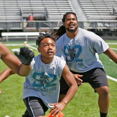 NFL player Sheldon Day gives back to Warren Central community