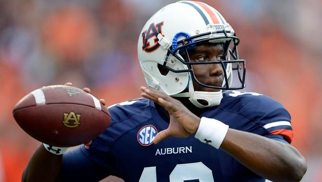 Auburn quarterback Jonathan Wallace threw his first pass in 364 days on Saturday.