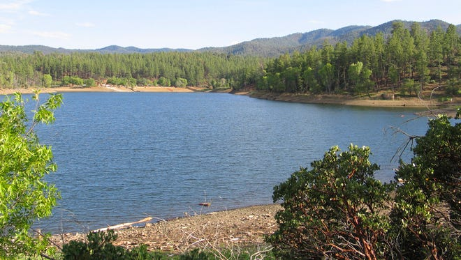 Lynx Lake Recreation Area, in the northern Bradshaw Mountains just a few miles southeast of Prescott, offers fishing, boating, camping, hiking and panning for gold in a designated area.