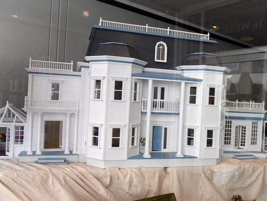 Ware House Miniatures - a dollhouse store