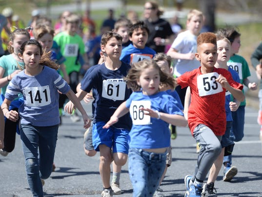 Staunton students run Miles for Meals 5K
