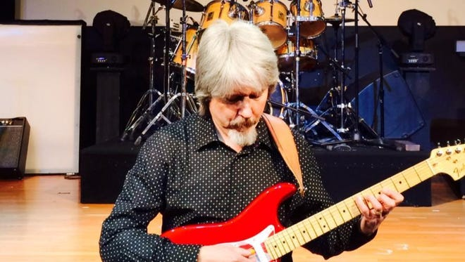 Mike McAdoo was named best guitarist by the Branson Entertainment Awards from 1995-1997.
