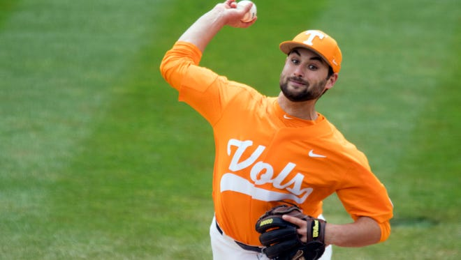Tennessee's Garrett Stallings pitches against Florida at Lindsey Nelson Stadium on Sunday, April 8, 2018.