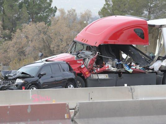 Man, woman die in crash on I-10 East near Americas