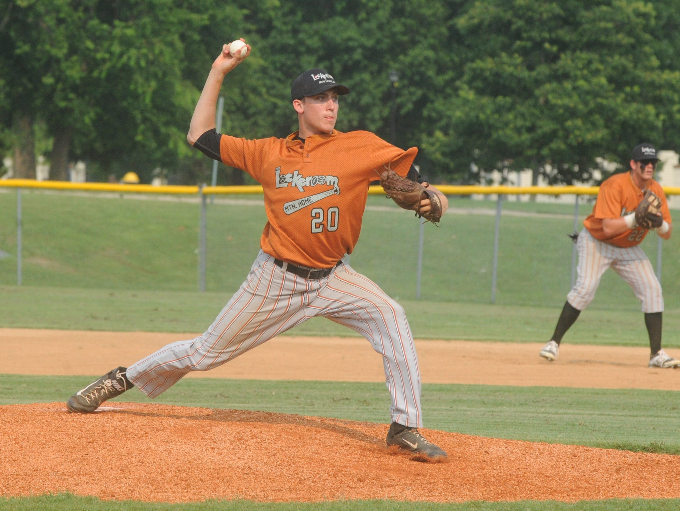 Lockeroom's Ryan Czanstkowski delivers a pitch in a recent game at Cooper Park.