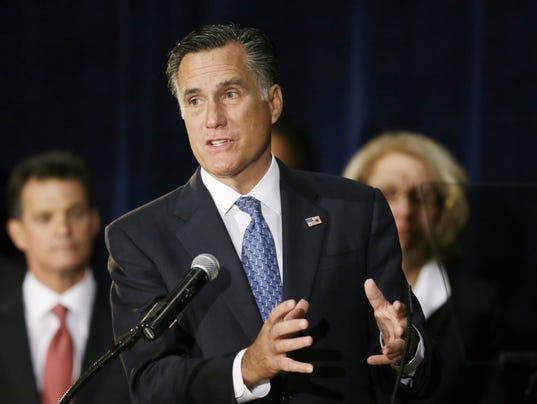 635700776280341588-Romney