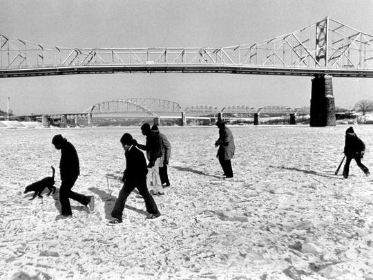 Jan. 19, 1977: Despite warnings from police that rescue would be almost impossible, Cincinnatians ventured out on the frozen river.