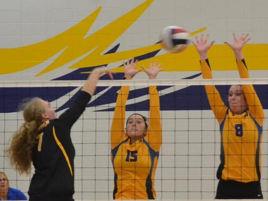 oconto volleyball_5458 (2)