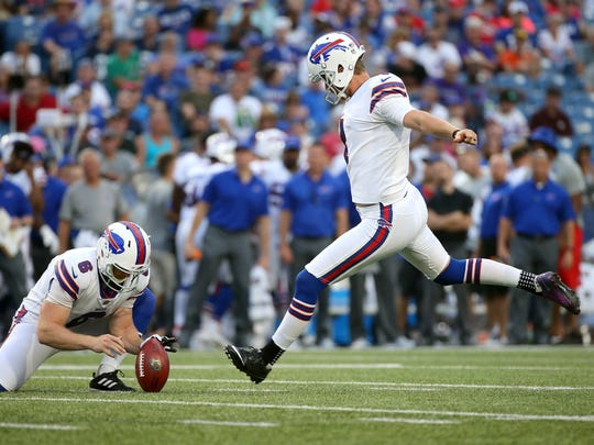 Bills kicker Stephen Hauschka makes this 42 yard field goal against the Vikings.