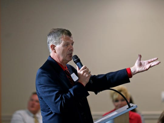 Farmington Municipal School District Superintendent Eugene Schmidt says he will be working to increase the percentage of district employees who donated to the San Juan United Way.