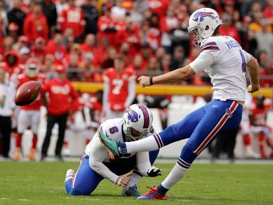 Buffalo Bills kicker Stephen Hauschka (4) kicks a field