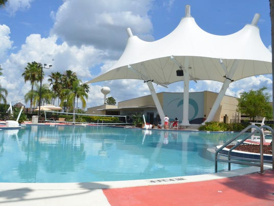 635677591766471770-leisure-pool