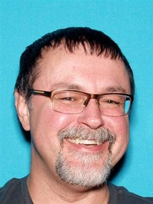 Authorities are looking for Tad Cummins, who they believe is with missing 15-year-old Elizabeth Thomas.