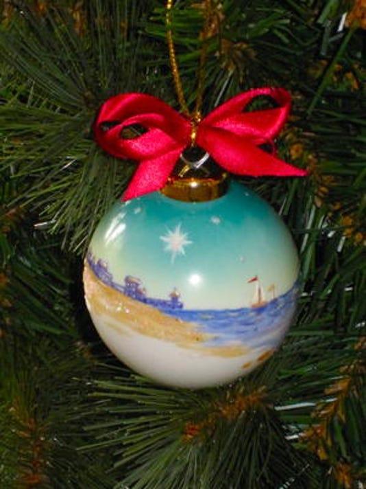 635502688272470108-ornament