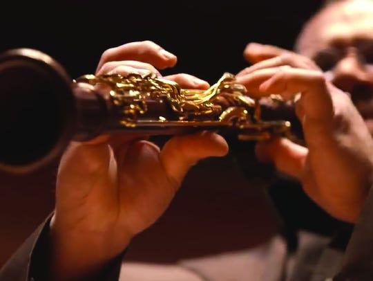 Ricardo Morales will perform a Clairinet Concerto of