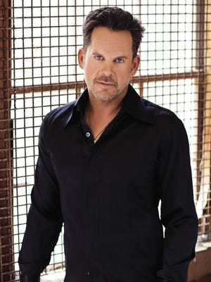 Country singer Gary Allan has headlined Country Thunder.