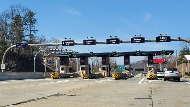 The Interstate 80 toll plaza at the Delaware River bridge is seen in this file photo. On Tuesday (Sept. 15, 2020) the left three lanes, including the Express lane, were closed for a time because of separate incidents.