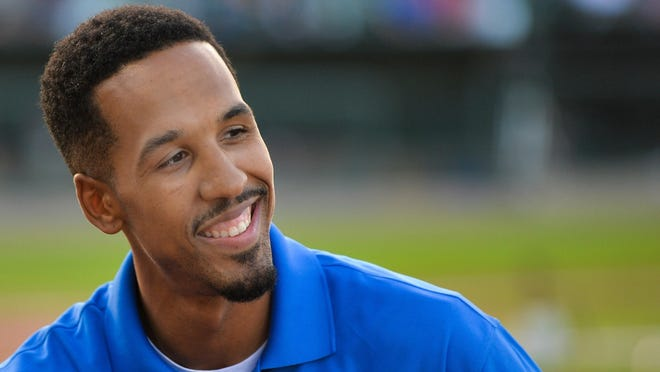 Peoria native and longtime NBA player Shaun Livingston will be joining the Golden State Warriors front office.