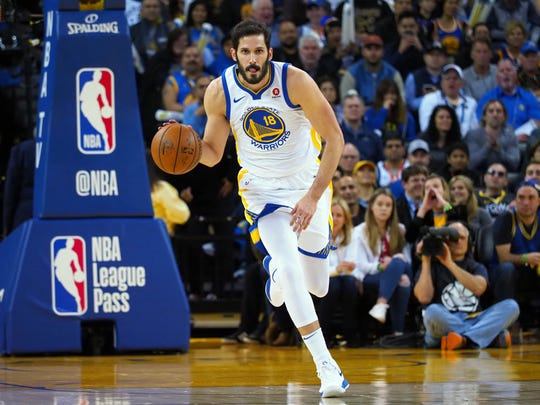 Mar 14, 2018; Oakland, CA, USA; Golden State Warriors forward Omri Casspi (18) drives down the court against the Los Angeles Lakers during the fourth quarter at Oracle Arena. Mandatory Credit: Kelley L Cox-USA TODAY Sports