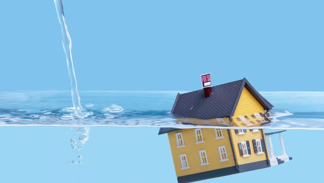 Southwest Florida's share of seriously underwater homes shrank during the first quarter of 2016, according to a report from RealtyTrac,