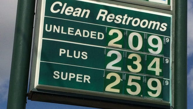 Gas prices continue to climb in Lafayette, U.S.