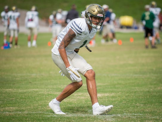 DaShon Bussell during practice at Knoxville Catholic