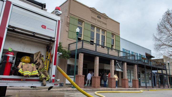 Greenwood Shoes in downtown Lafayette damaged by fire