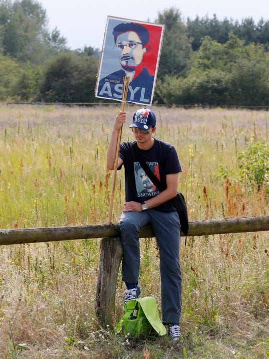 Germany NSA Protest_Oliv.jpg