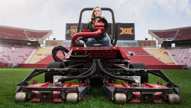 Georgeanna Heitshusen, an Iowa State University junior studying horticulture and turfgrass management, spent the week leading up to Super Bowl 50 learning from the top turf crew in the National Football League through the Toro Super Bowl Sports Turfgrass Training Program.