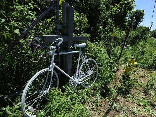636009898162663296-Bike-Memorial-1.jpg