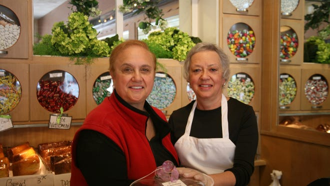 """Lidia Bastianich visited Scialos, meeting with Carol Gaeta and including the bakery in her book """"Lidia's Italy in America."""""""