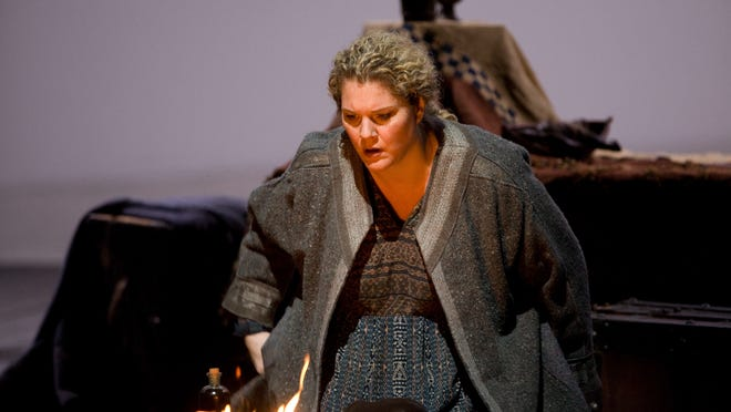 """Michelle DeYoung as Brangane in the Metropolitan Opera's 2008 production of Richard Wagner's """"Tristan und Isolde."""""""
