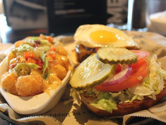 Bar Louie Burger