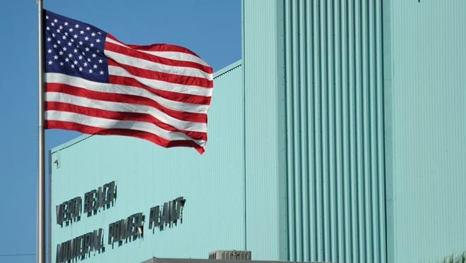 Florida Power & Light Co. has offered $185 million for Vero Beach's entire electric system.