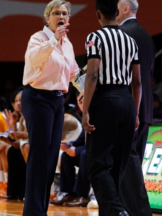 Tennessee head coach Holly Warlick yells at an official in the second half of an NCAA college basketball game against South Carolina on Monday, Feb. 15, 2016, in Knoxville, Tenn. South Carolina won 62-56. (AP Photo/Wade Payne)