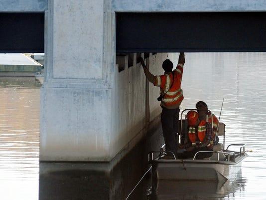 -102412 Bridge Inspection Standalones.jpg_20121024.jpg