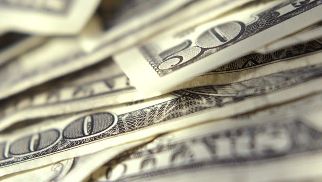 Average income in Arizona grew to $39,156, according to a report by the Bureau of Economic Analysis.