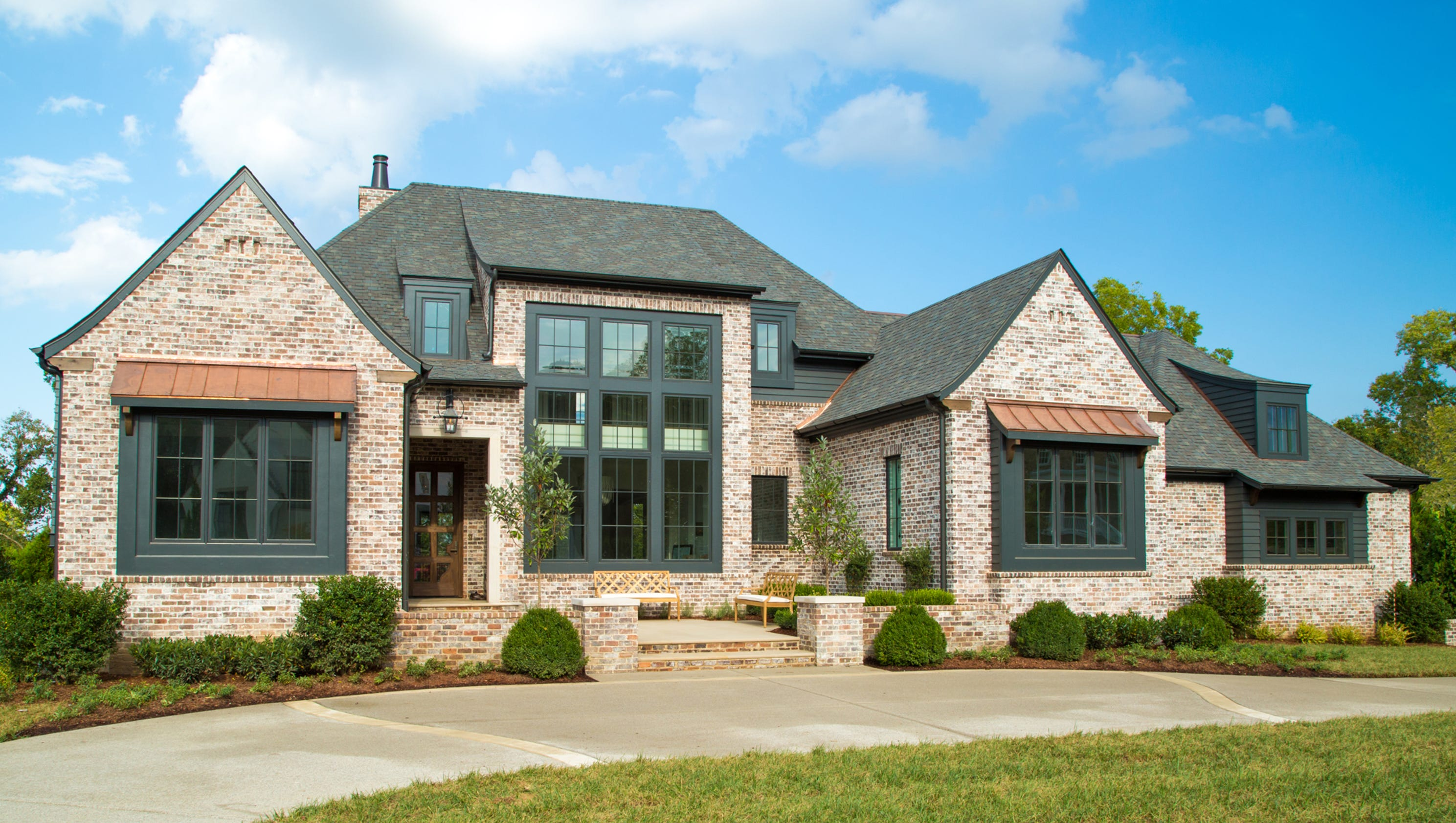 2017 parade of homes castle homes 39 contemporary english for Castle home builders