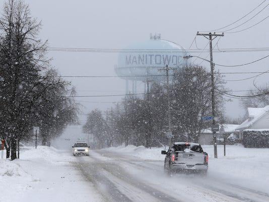 636196566717763476-Manitowoc-snow.jpg