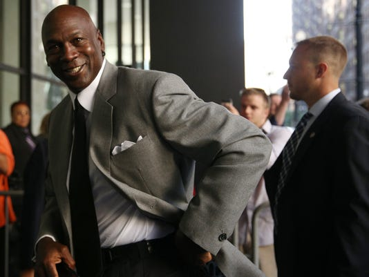 Michael Jordan due to testify in Chicago court in supermarket lawsuit