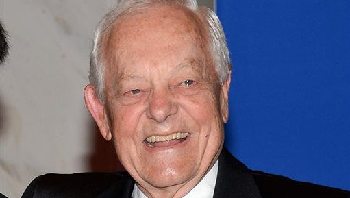 """FILE - In this May 3, 2014, file photo, CBS News anchor Bob Schieffer attends the White House Correspondents' Association Dinner at the Washington Hilton Hotel in Washington. Schieffer's last Sunday as host of CBS' """"Face the Nation"""" will be on May 31, 2015. (Photo by Evan Agostini/Invision/AP, File)"""