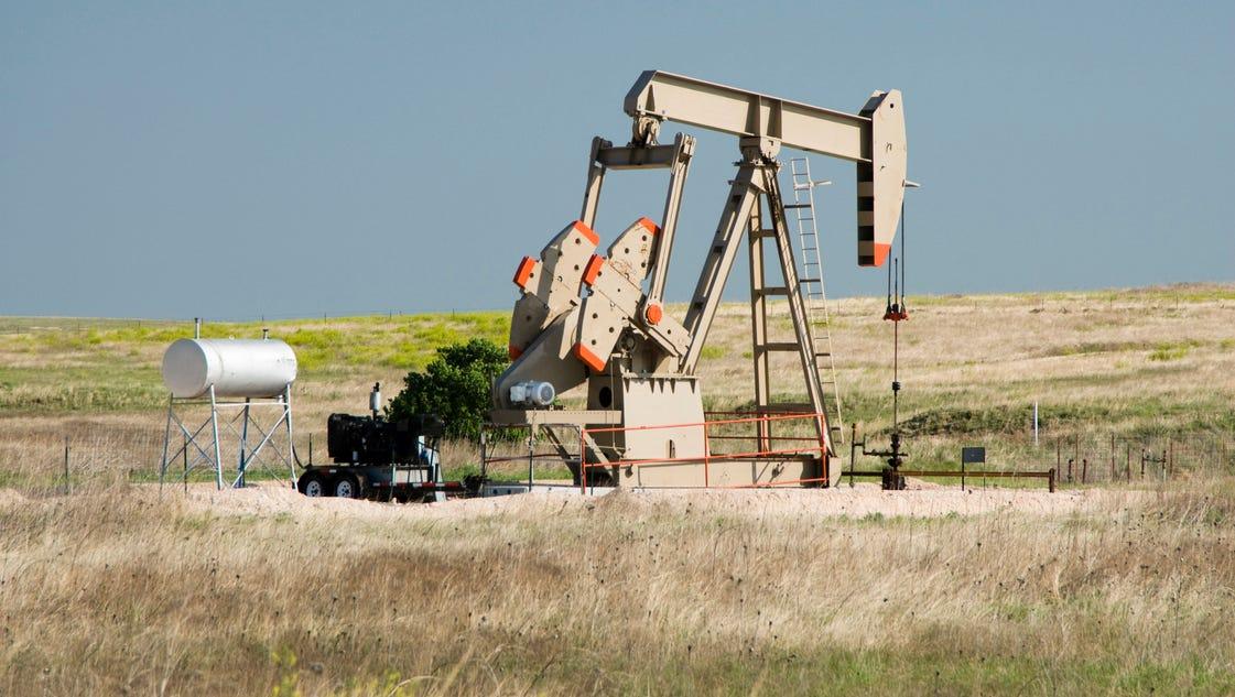 Oil industry problems, prospects keenly felt in N. Dakota
