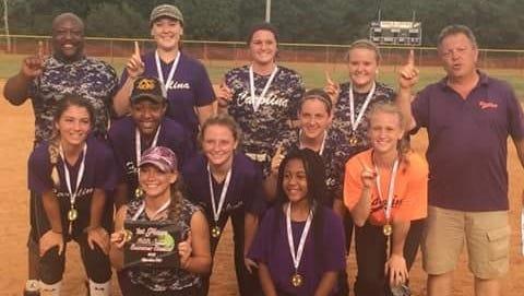 The Carolina Rattlers softball team.
