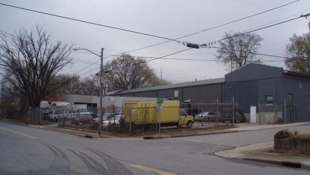 Townhomes are eyed for the home of Southern Mechanical Inc. at Second and Taylor in Germantown.