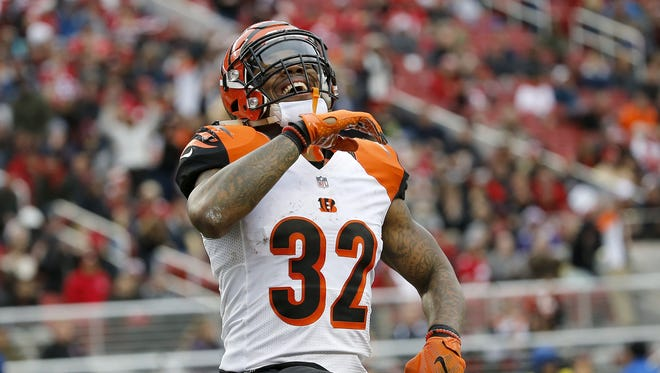 Bengals running back Jeremy Hill celebrates a touchdown run against the 49ers.