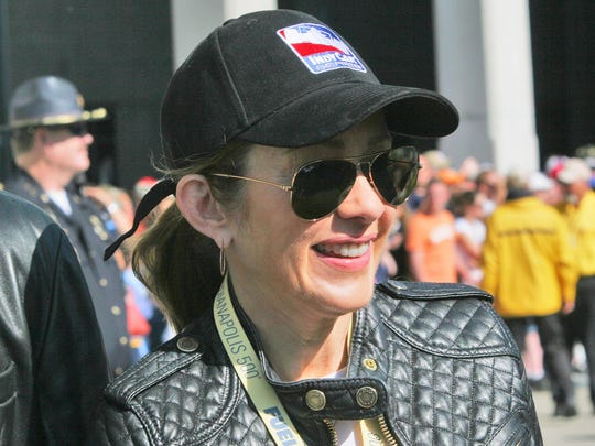 Patricia Heaton walks the red carpet before the 2008 Indianapolis 500.